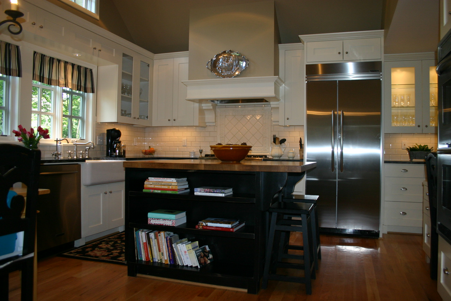 Kitchen, Countertops, Kitchen Island, Bookshelves, Remodel, kitchen, home renovation, Portland, Oregon, Kaya Construction, Kaya General Contractors, Portland Remodeler